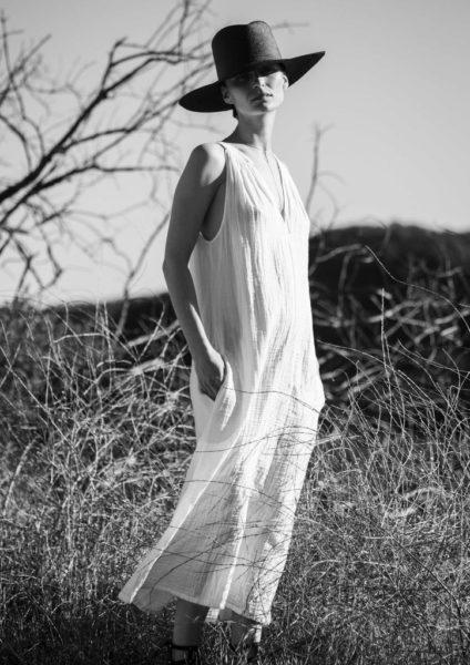 White_Gauze_Sleeveless_Cotton_Dress_crop_ocean_and_main_AFREUND_AFREUND_DSC_4022_1024x1024