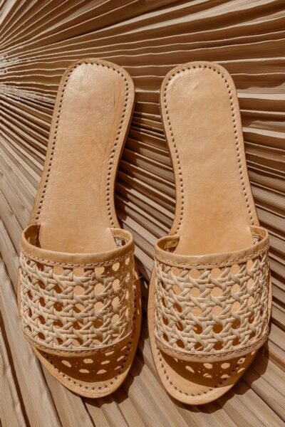 Rattan-vegan-woven-slides-sandals-800x1200